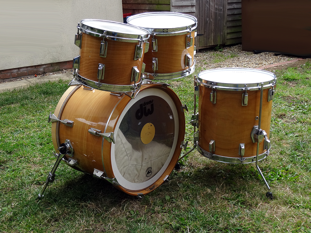 Pearl DLX 1984 Drum Kit